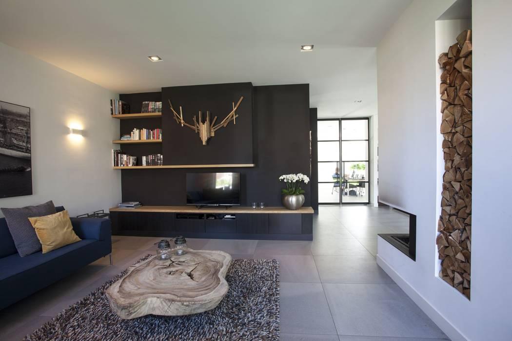 Woonkamer villa Oranjeburgh Schiedam Moderne woonkamers van Thijssen Verheijden Architecture & Management Modern Tegels