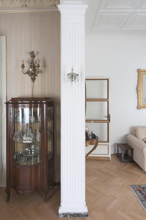 Appartamento Liberty in centro storico Studio di Architettura IATTONI SoggiornoAccessori & Decorazioni