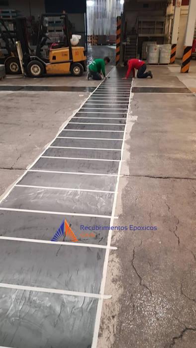 Proceso de aplicación de una marimba de Recubrimientos Epoxicos GAVA Industrial
