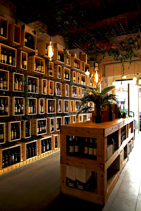 Ruang Penyimpanan Wine/Anggur Modern Oleh BOTTEGA17 Modern
