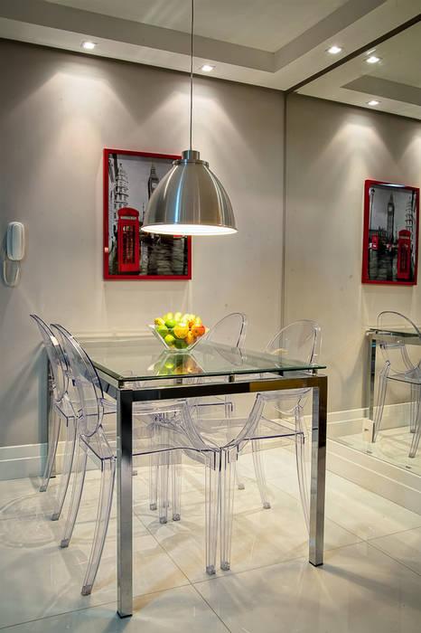 Modern dining room by Karla Seara Arquitetura Modern