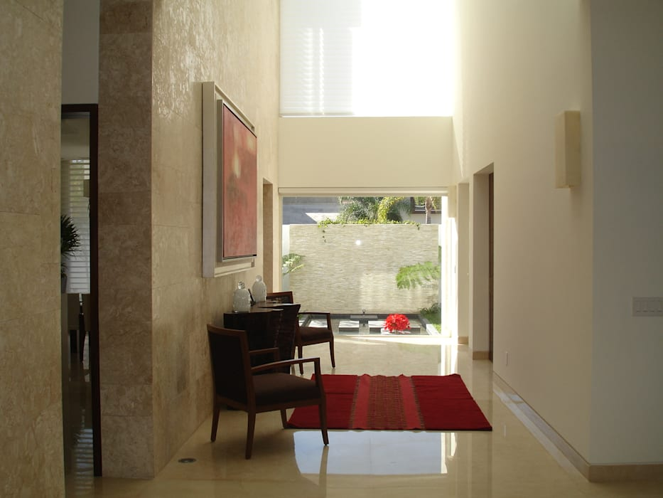 Residencia GDA Pasillos, vestíbulos y escaleras modernos de TALLER UNO:3 Arquitectos Moderno