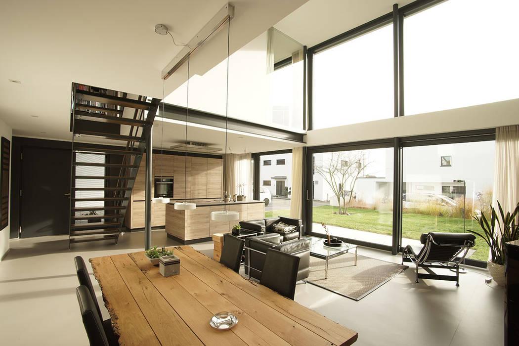 Neubau Loft Passivhaus Moderne Wohnzimmer von seyfarth stahlhut architekten bda Part GmbB Modern