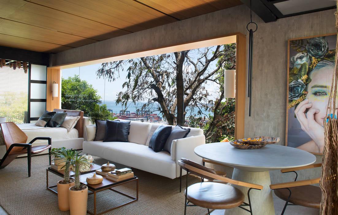 """LOFT """"Meio Bossa Nova e Rock'n'Roll"""" - CASA COR BAHIA 2018 Salas de jantar modernas por Jéssica Araújo Arquitetura Moderno Concreto"""