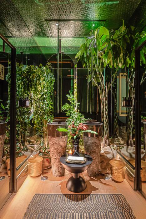 Reforma Integral Baño Restaurante Bump Green Baños de estilo tropical de Loema Reformas Integrales Madrid Tropical
