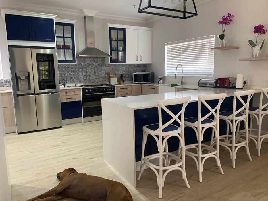 Moderne Küchen von CS DESIGN Modern