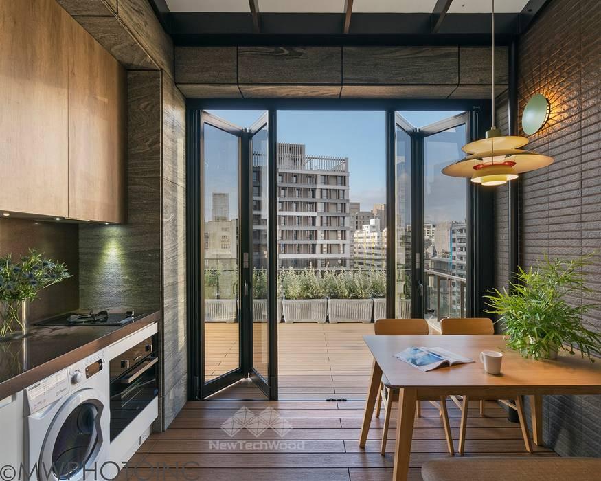 【內外相連的平台─NewTechWood做為室內地板一樣出色】 根據 新綠境實業有限公司 隨意取材風 塑木複合材料