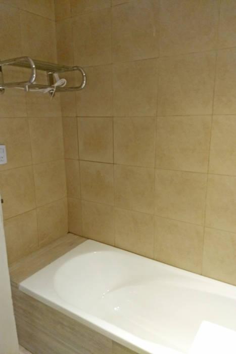 Refacción | Bañera Baños modernos de REZ Arquitectura | Diseño | Construcción Moderno Cerámico