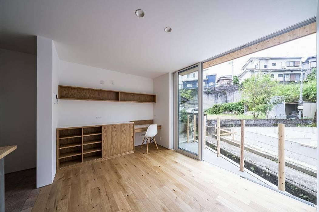canapê オリジナルデザインの 書斎 の キリコ設計事務所 オリジナル 木 木目調