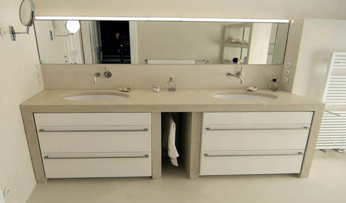 Waschtisch aus Beton Moderne Badezimmer von material raum form Modern Beton