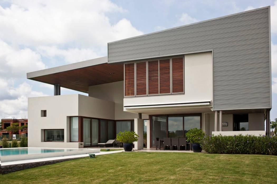 Maisons rustiques par atlantico estudio de arquitectura y construccion Rustique Bois Effet bois