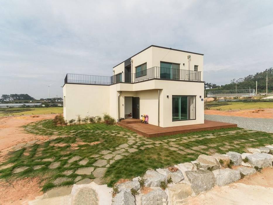 Casas modernas de 한글주택(주) Moderno Concreto reforzado