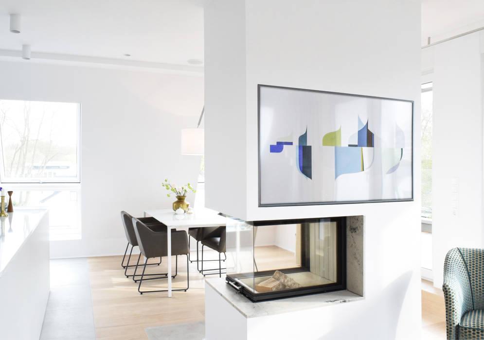 Ruang Makan Modern Oleh AGNES MORGUET Interior Art & Design Modern