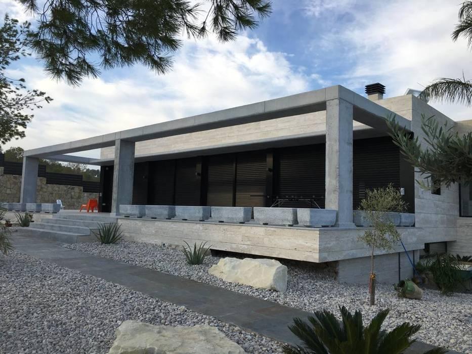 by JORGE ESQUER ARQUITECTO Minimalist Concrete
