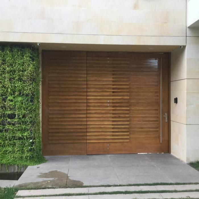 COCINAS KITCHEN AND BATH Windows & doorsDoors Solid Wood Wood effect