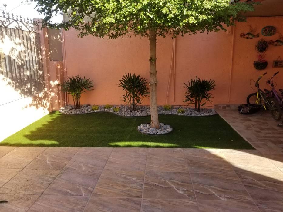 Jardines de estilo moderno de 🌳Servicios de jardinería Torres 🌳 Moderno