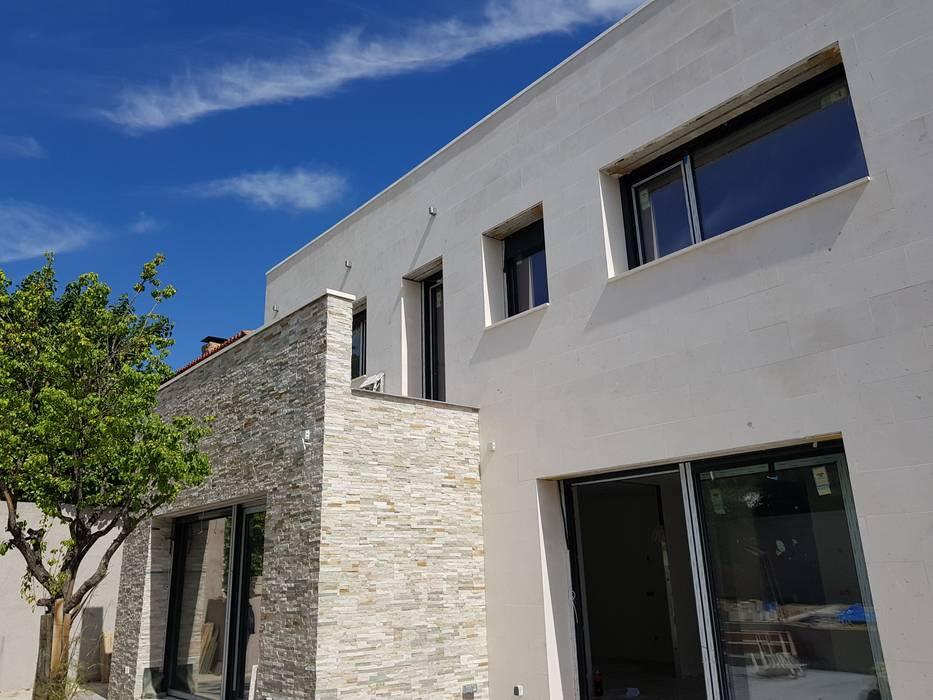Vivienda unifamiliar aislada Casas de estilo moderno de BERTA PRESAS JAVALOYES Moderno