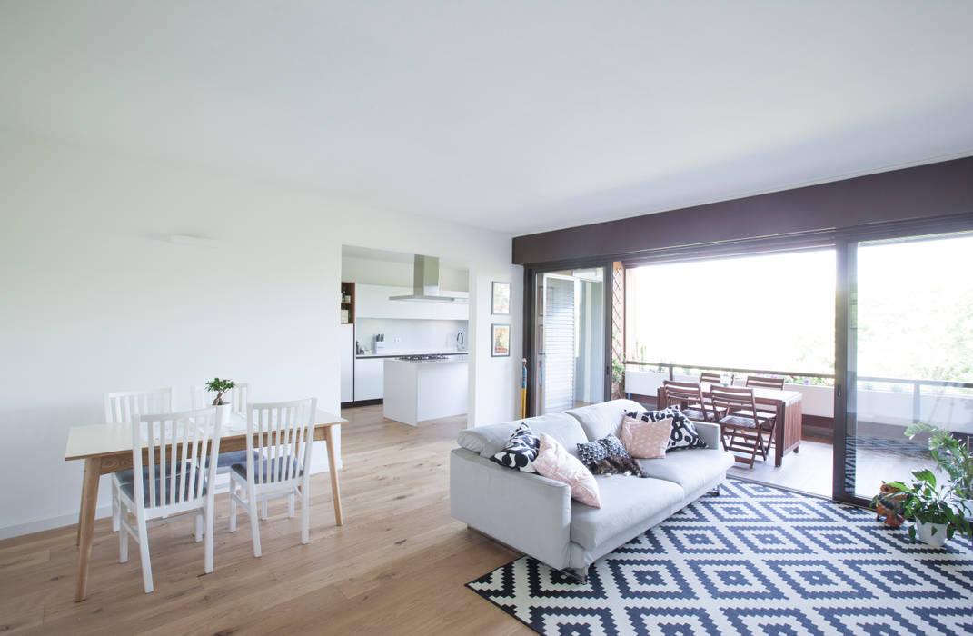 Living Room Soggiorno moderno di GruppoTre Architetti Moderno