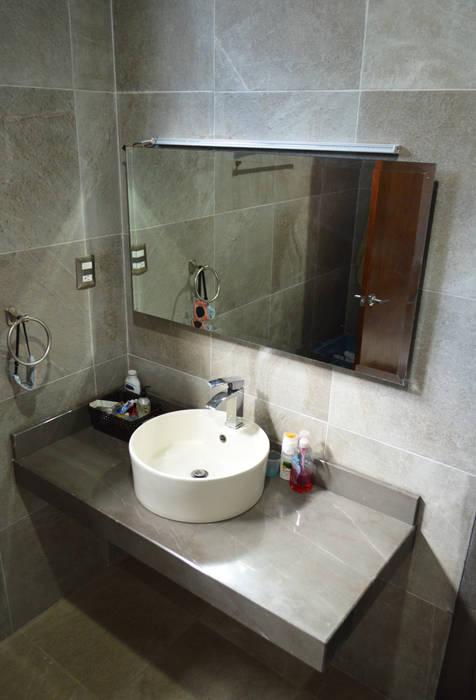 Salle de bain moderne par Punto Libre Arquitectura Moderne