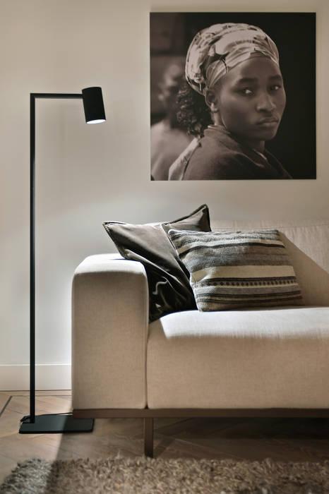 bank Piet Boon, Lamp Piet boon Moderne woonkamers van Ester Lipsch Creatief Ontwerp Modern
