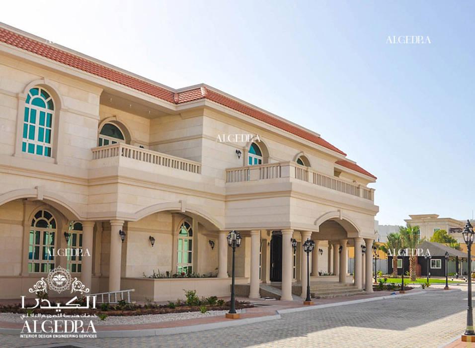Beautiful luxury villa facade by Algedra Interior Design Classic