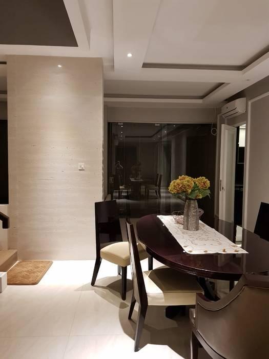 HOUSE MR.J KIRANA Ruang Makan Modern Oleh qic arsitek Modern