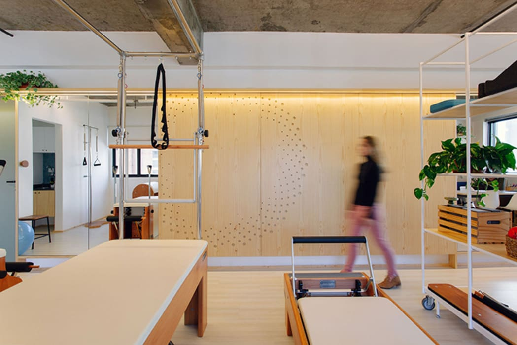 توسط Estudio Piloti Arquitetura مدرن چوب Wood effect