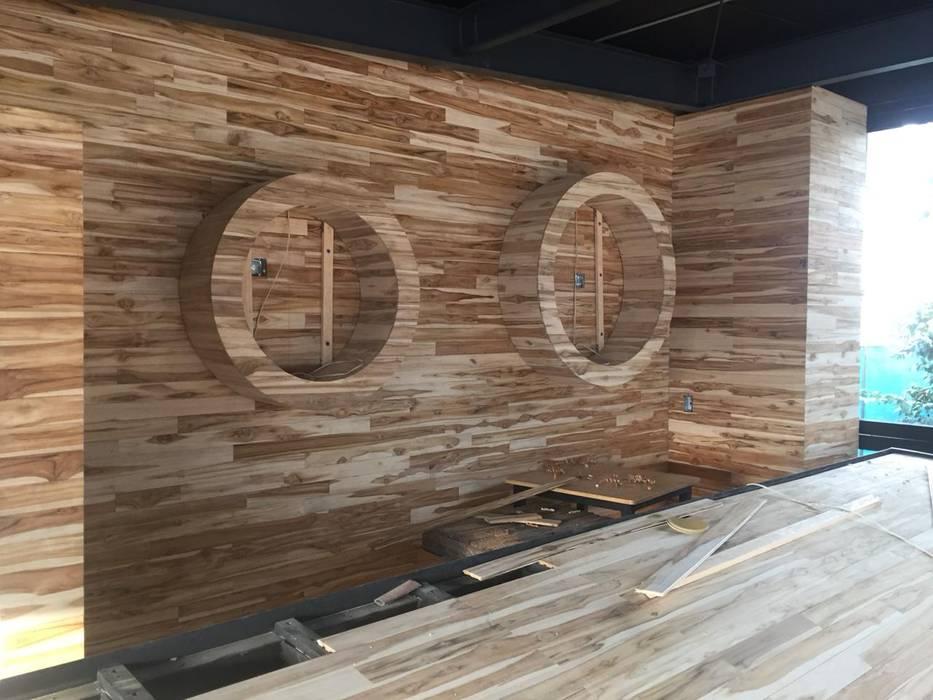 Pisos y Maderas Finas de Queretaro SA de CV Bars & clubs Wood Amber/Gold