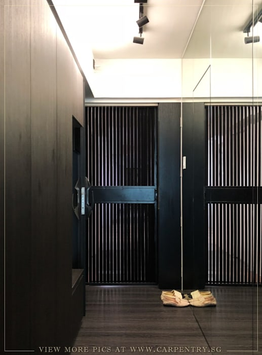 Modern Luxury @ Joshua's House by Singapore Carpentry Interior Design Pte Ltd Industrial Metal