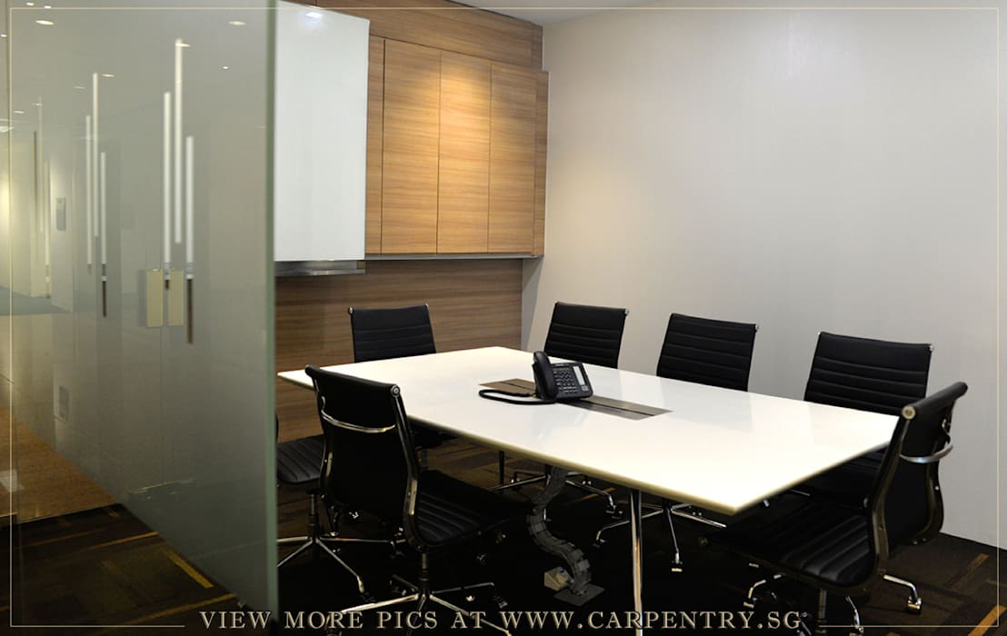 Contemporary and Sophisticated Office Singapore Carpentry Interior Design Pte Ltd Modern offices & stores Wood White