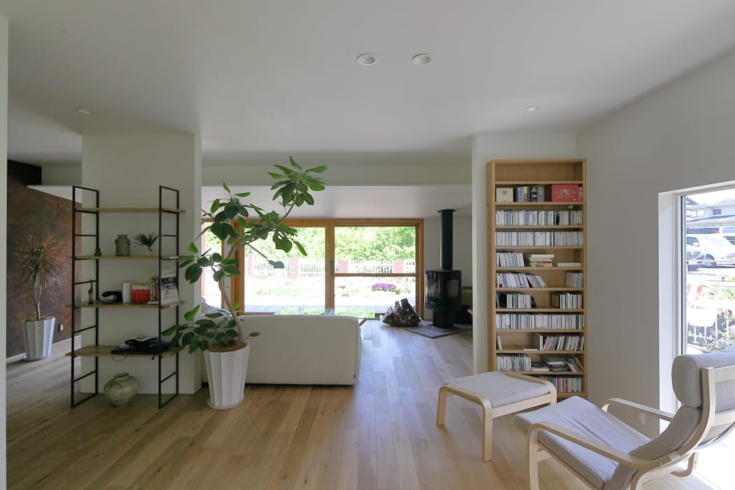 studio m+ by masato fujii Asian style living room