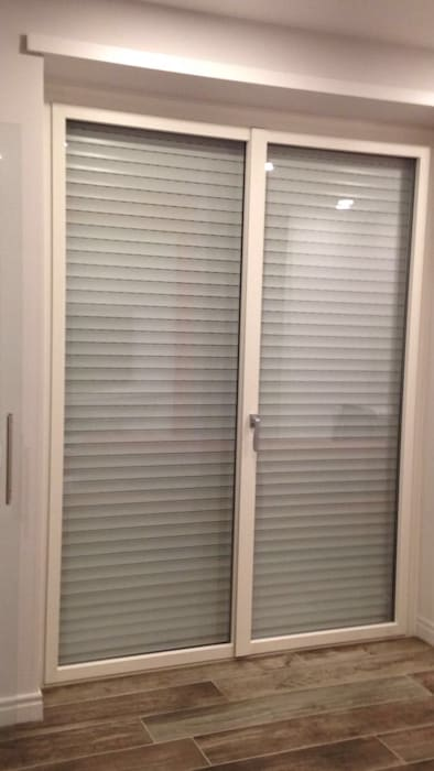Puertas y ventanas de estilo minimalista de Da.Ma. Design Srls Minimalista