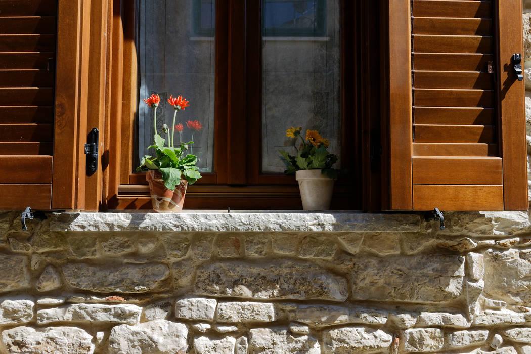 Klassische Häuser von CusenzaMarmi Klassisch