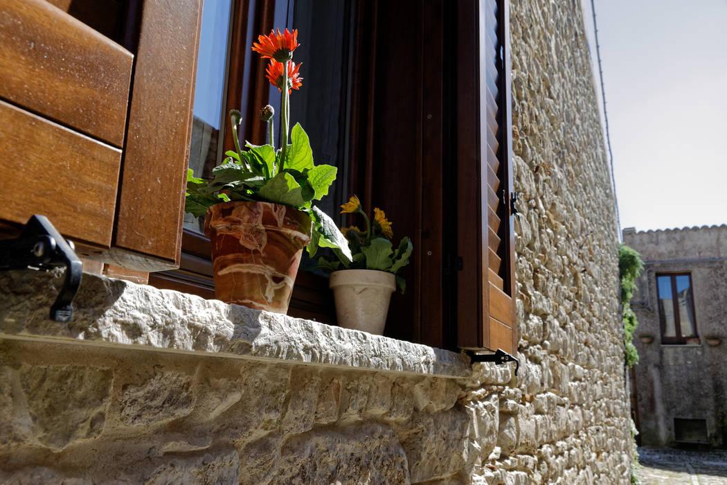 Classic windows & doors by CusenzaMarmi Classic
