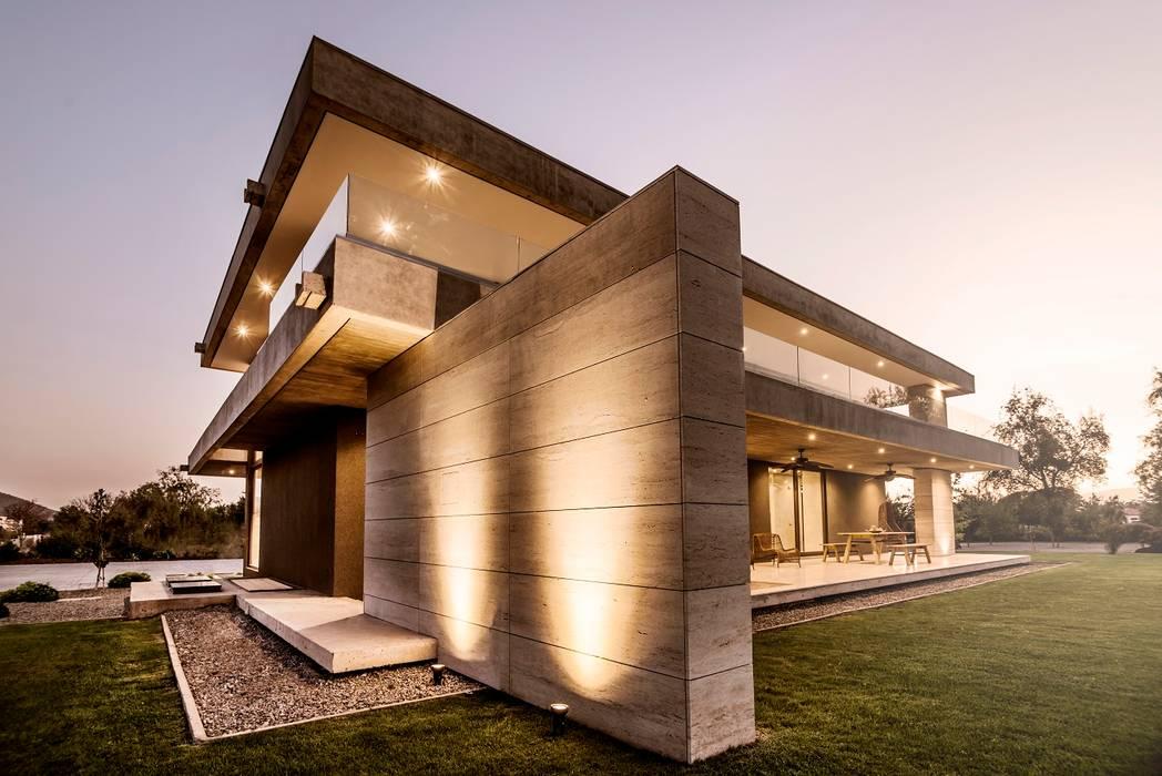 Fachada Casas estilo moderno: ideas, arquitectura e imágenes de JPV Arquitecto Moderno