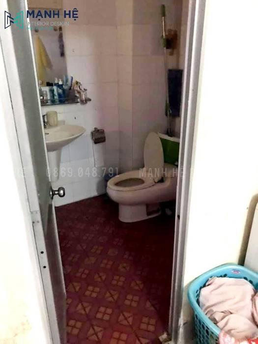 hiện trạng nhà vệ sinh trước khi cải tạo nội thất Phòng tắm phong cách hiện đại bởi Công ty TNHH Nội Thất Mạnh Hệ Hiện đại