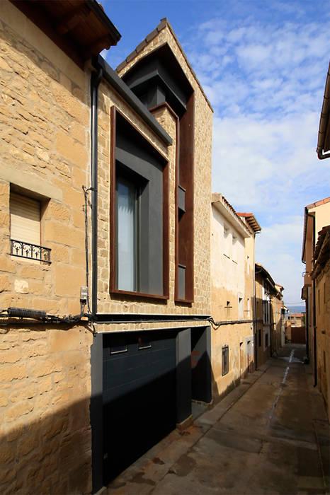 Country style windows & doors by Rafael Hernáez Loza AITEC Proyectos Country
