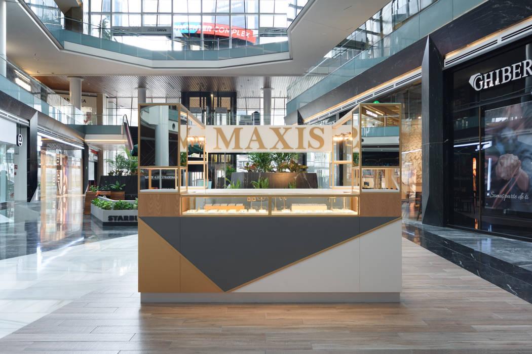 ISLA MAXIS FASHION DRIVE Espacios comerciales de estilo moderno de ESTUDIO TANGUMA Moderno