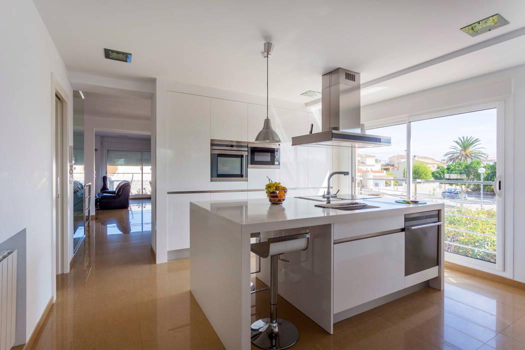 Reforma de cocina. Barreres del Mundo Architects. Arquitectos e interioristas en Valencia. Cocinas de estilo minimalista