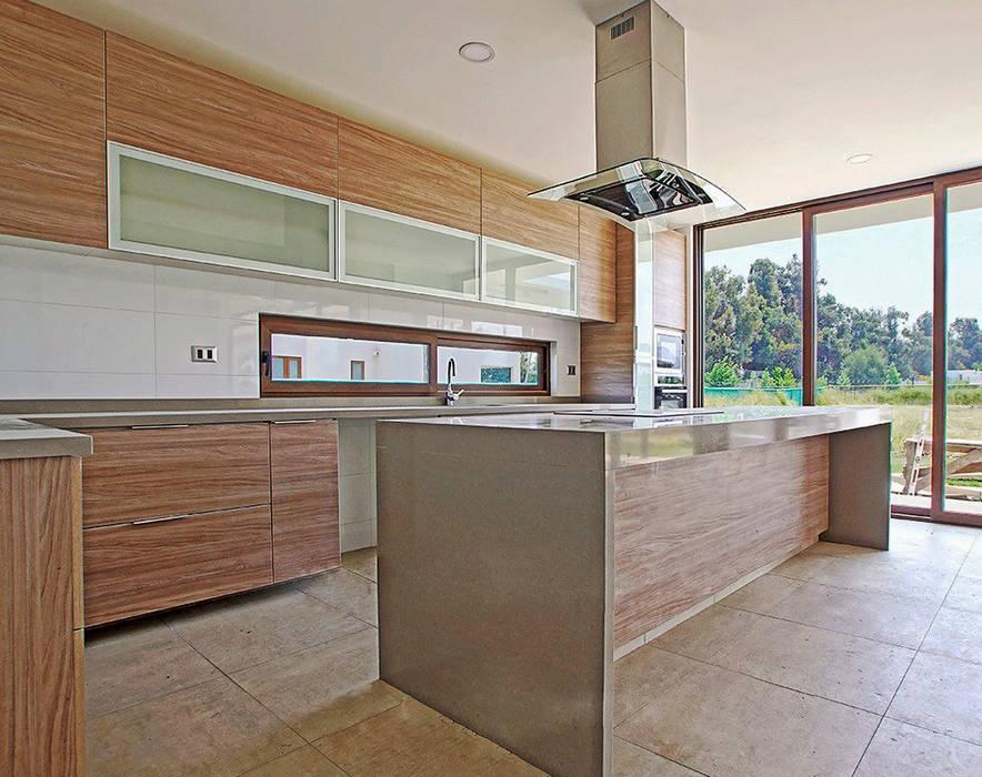 Cocina obra nueva Martin Rojas Arquitectos Asoc. CocinaAlmacenamiento y despensa