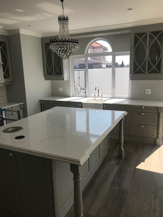 Center Island by Samurai Kitchens Country