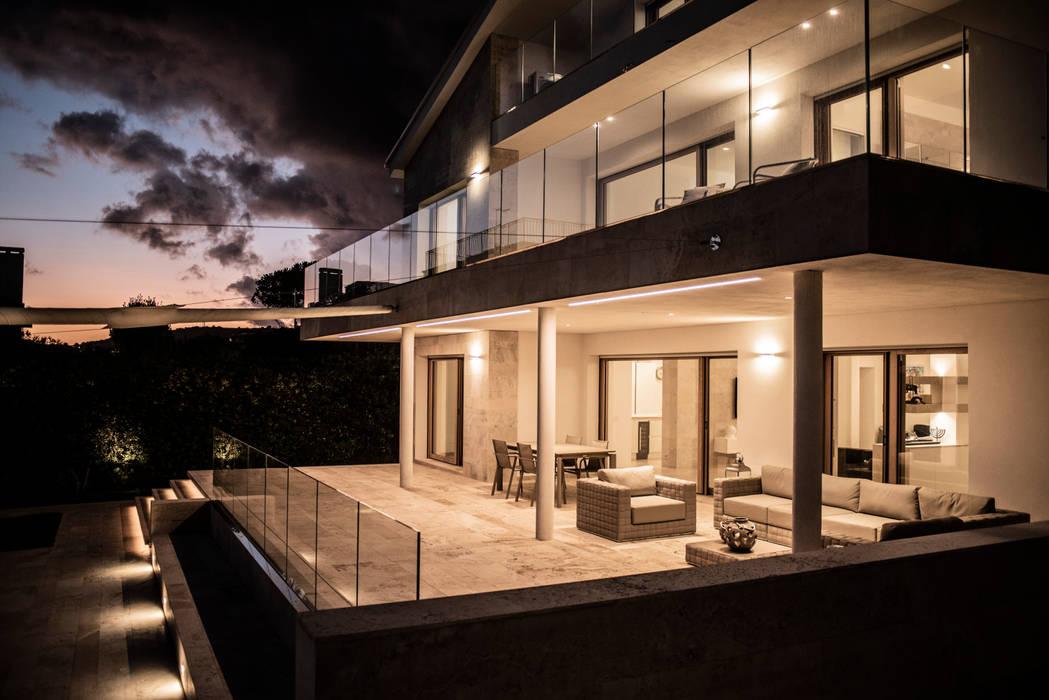 Villa P+A Case in stile minimalista di Sebastiano Canzano Architects Minimalista