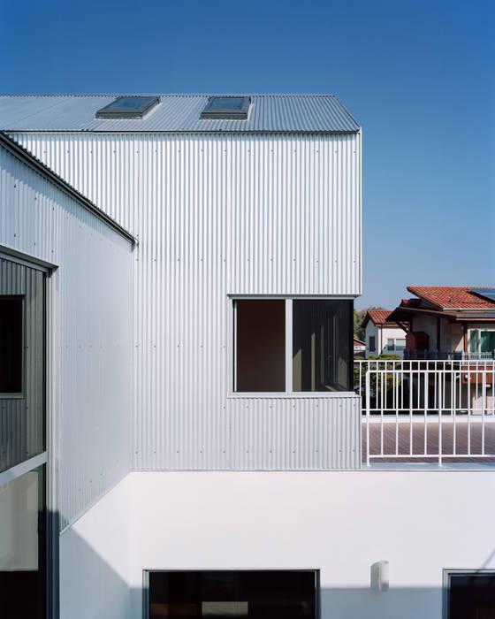 Minimalist house by IWMW Minimalist