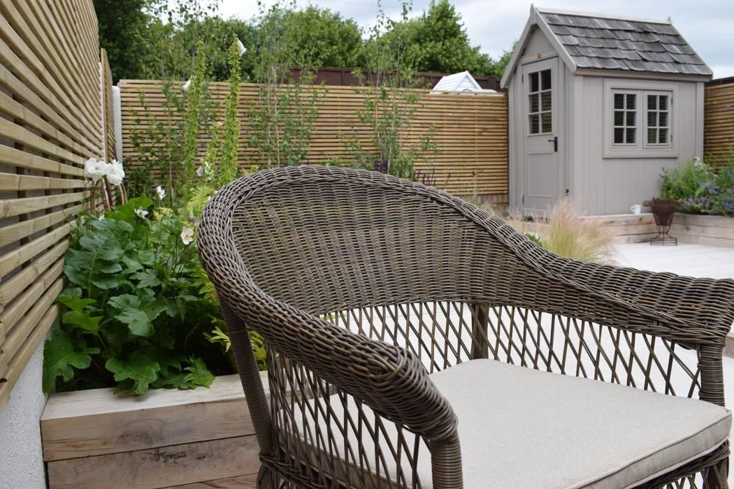 Comtemporary summer garden design Hertfordshire Jardines de estilo moderno de Everchanging garden design Moderno Aluminio/Cinc