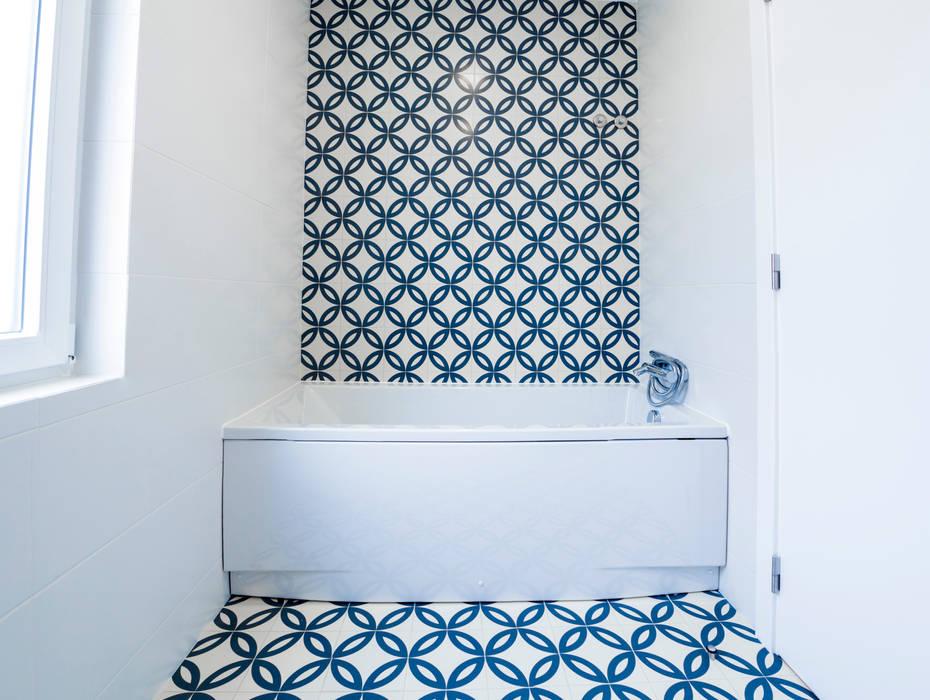 Decor-in, Lda Modern bathroom Tiles Blue