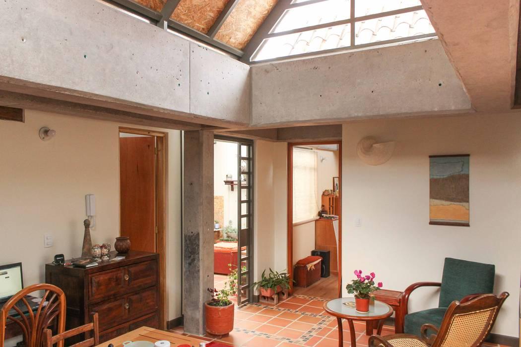 Apartamento Principal Salones minimalistas de ENSAMBLE de Arquitectura Integral Minimalista