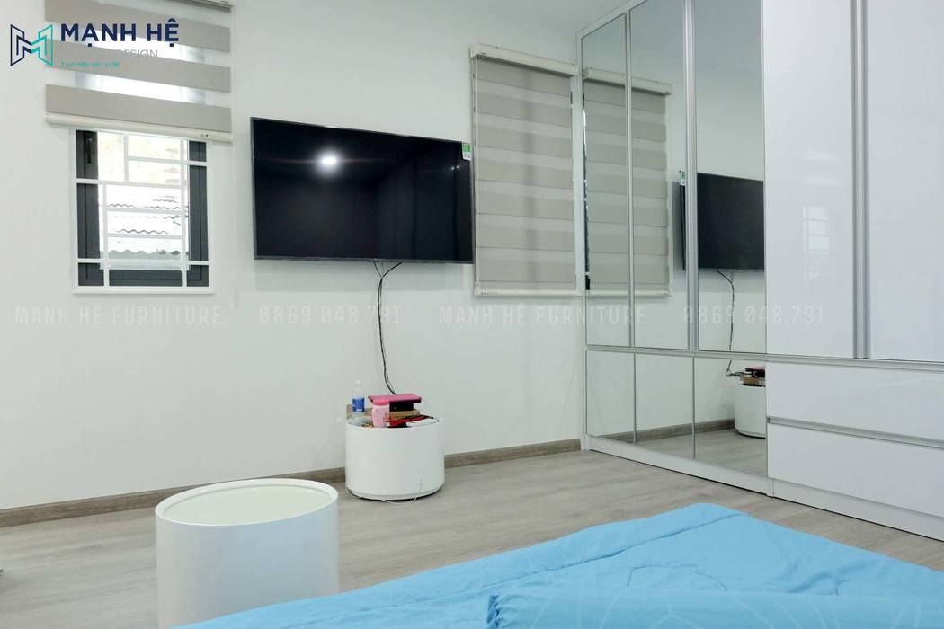 Tận dụng cánh tủ quần áo để bố trí gương dài toàn thân Công ty TNHH Nội Thất Mạnh Hệ Phòng ngủ nhỏ