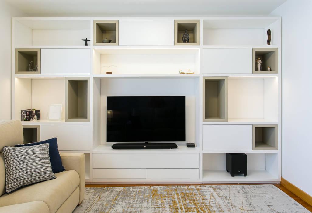 Traço Magenta - Design de Interiores Living roomTV stands & cabinets