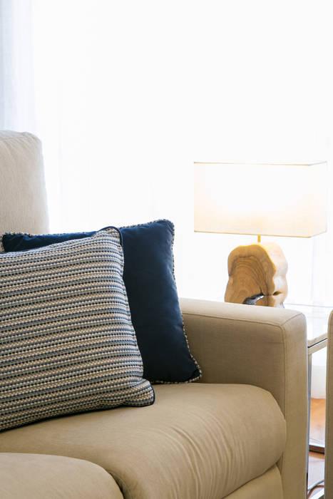 Apartamento t3 no centro de lisboa Traço Magenta - Design de Interiores Salas de estar modernas