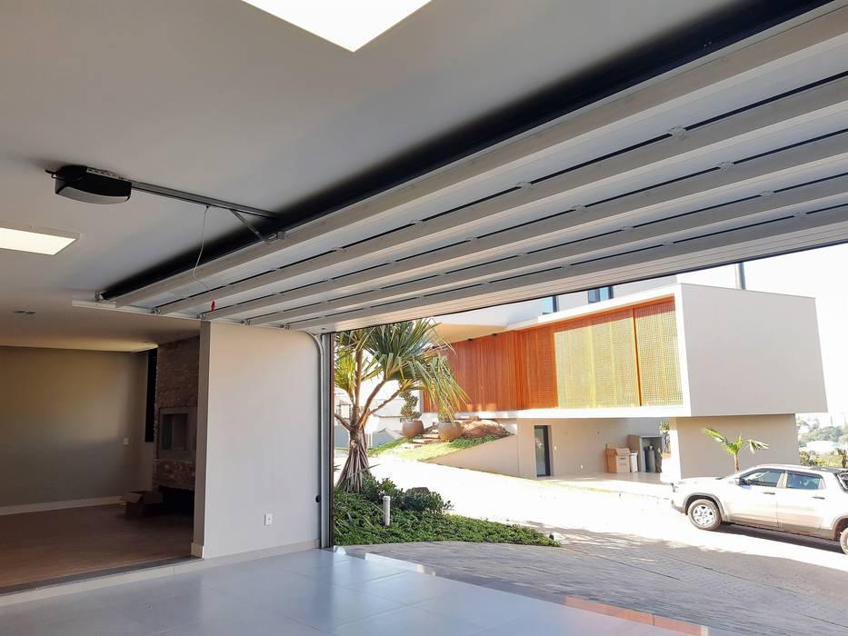 Portão interno Cattani Portões Garagens e arrecadações modernas Ferro/Aço Preto